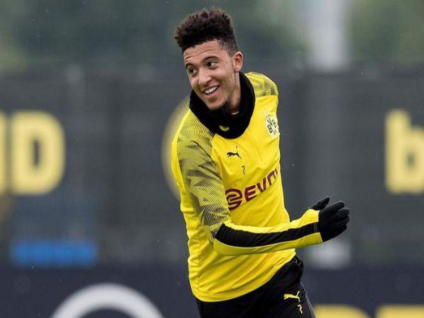 Dortmund quay ngược thái độ với MU