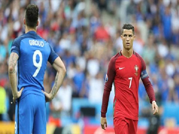 Giroud sắp thành đồng đội của Ronaldo ở Juventus